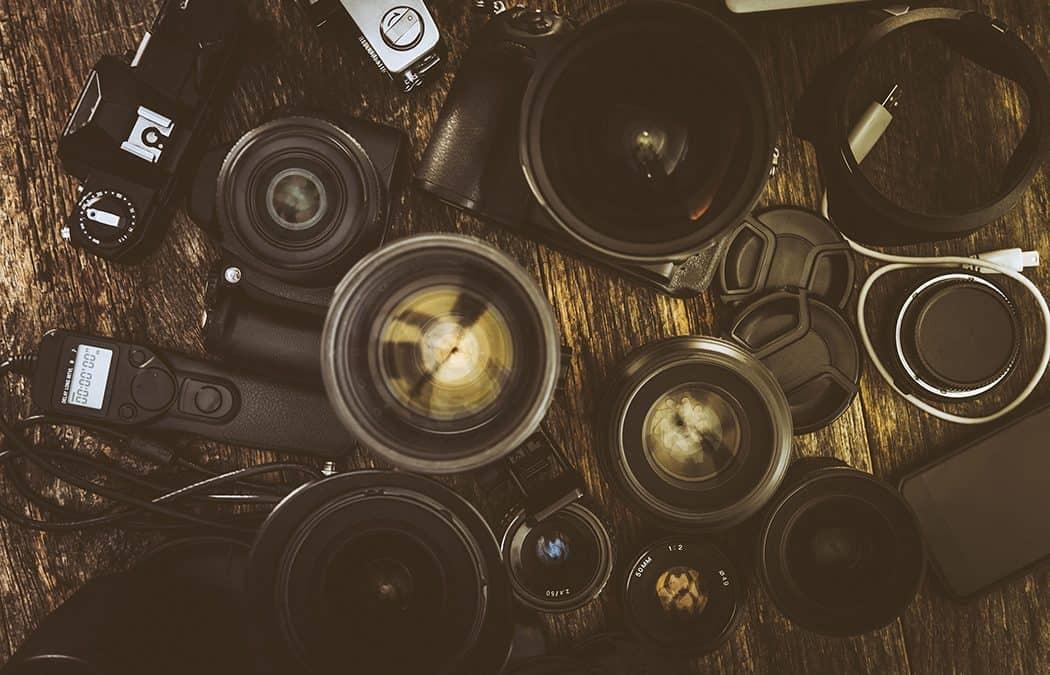 Testissä Pisen EL -Akkulaturi ja EL14 -akku Nikonin järjestelmäkameroihin