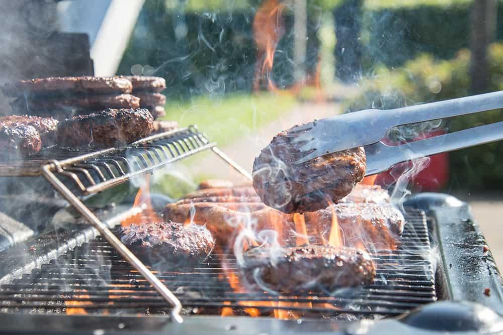 5 tärkeää asiaa täydellisen grilli-illan varmistamiseksi! Lue vinkit ja välty virheiltä.
