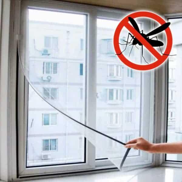 Hyttysverkon voi leikata ikkunaan sopivaksi
