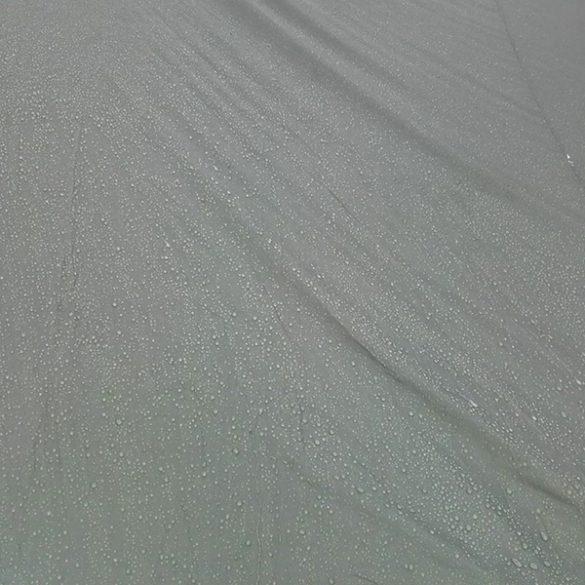 Vettä satoi kaksi päivää ja kangas piti kaiken ulkona. Tärkein ominaisuus!