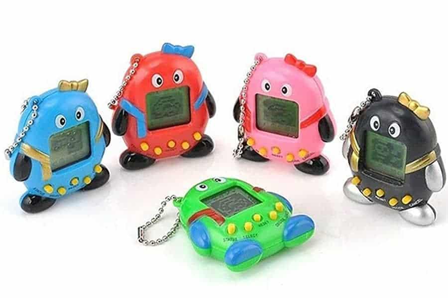 Tamagotchi opetti vastuunkantoa lapsille – Virtuaalilemmikki on taas IN!