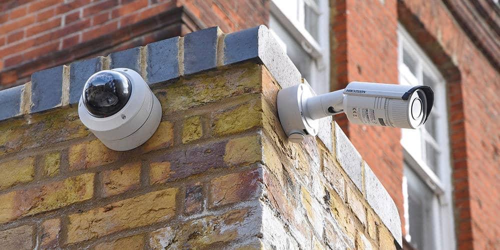 Kamerajärjestelmällä valvot taloasi joka sivulta